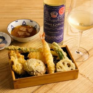 【行ったら誰かに話したくなる】ポルトガルワインで天ぷら? 女子が過半数の立呑み屋? って一体?(2)
