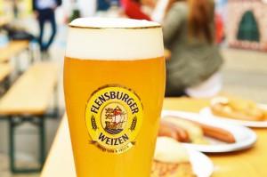 「フレンスブルガー ヴァイツェン」。スッキリ飲みやすいビールです。ラガータイプとちょっと違うのは、やっぱり香りでしょうか。フルーツの感じ、しかもドライフルーツのような。