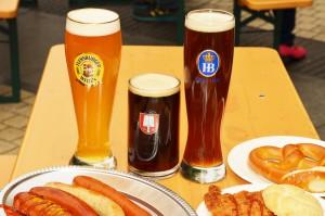 都心のビル街の真ん中で、本場ドイツのビール、フード、雰囲気が楽しめる「池袋オクトーバーフェスト 2016」。