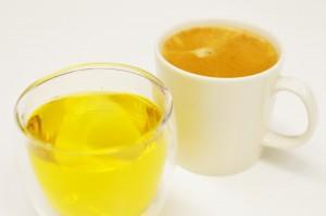 烏龍茶と温かいコーヒーはどちらも薬膳的に、二日酔い防止にはおすすめの飲み物。