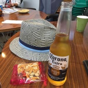 【夏のウメコロ】亀田製菓「柿の種 梅しそ」vsメキシカンビール、夏の陣