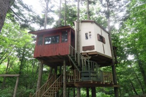 ばんけいの森でツリーハウスをDIY