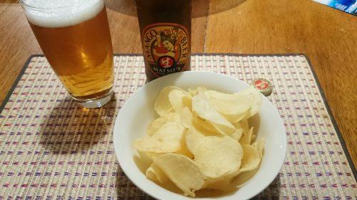 マンゴービール「MATSO'S BROOME BREWERY」とSmith'sのポテトチップス「ソルト&ビネガー味」