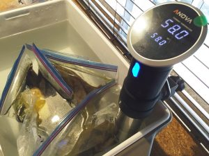 最新の低温調理機器で加熱