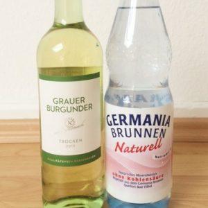 【ドイツ定番のワインの飲み方!?】ワイン×炭酸水の『ワインショーレ』と、じゃがいものさっぱりサラダ『カトフェルンザラート』の爽やかコンビ(by現地在住ライター)