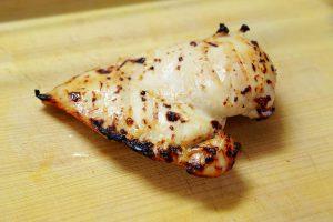 鶏胸肉の塩こうじ漬け焼き
