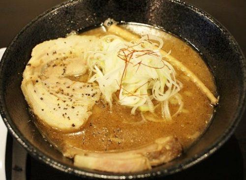 「らーめんやまふじ 堺筋本町店」のラーメン
