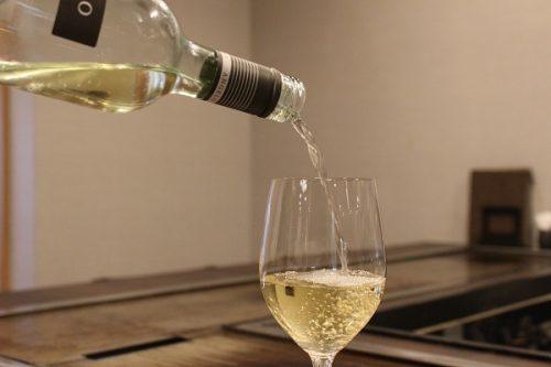 イタリアの辛口白ワイン「アンジェロ トレッビアーノ ダブルッツオ」