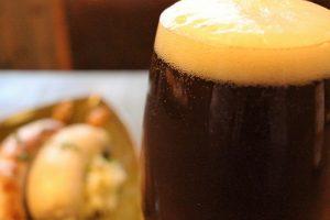 ドイツビールとバジルソーセージ
