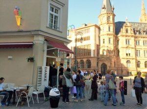 ヘッセン州の街のアイスクリームショップ