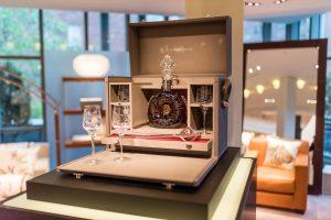 コニャック「ルイ13世」、世界で3点のみの究極のオーダーメイド「L'ODYSSÉE D'UN ROI」合計約6,000万円という記録的な価格でオークション販売を終了 バッカスの選択