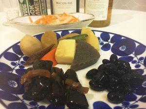 おせち料理「お煮しめ」「紅白なます」「黒豆」「にしんの昆布巻き」