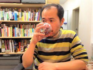 おでん出汁入り赤ワインを飲んでみた編集長D