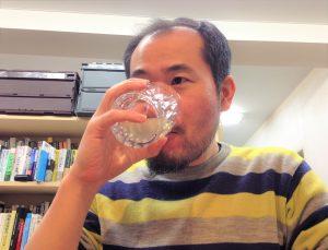 おでん出汁入りジンを飲んでみた編集長D