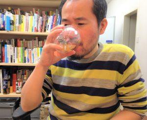 おでん出汁入り梅酒を飲んでみた編集長D