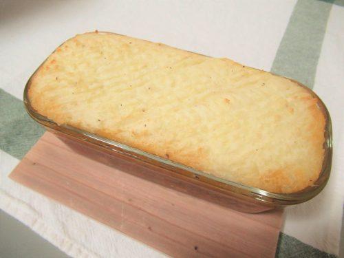 「コテージパイ」の作り方。オーブンで焼く。