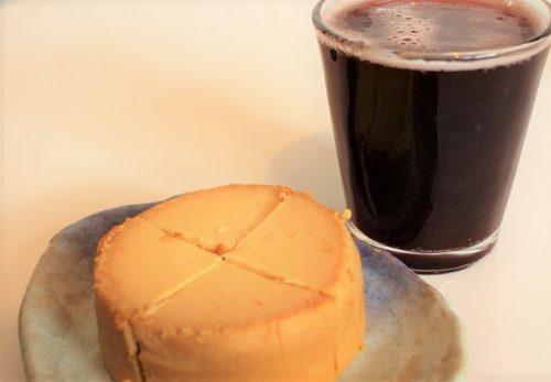 「どこでもスイーツ缶 チーズケーキ」と「リンデマンス・フランボワーズ」