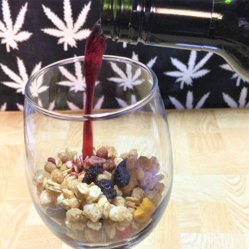 #14【グラノーラ×ワインでサングリアになる?】こんな飲み方(というか食べ方?)はアリなのか!?赤・白・スパークリングで検証した結果……