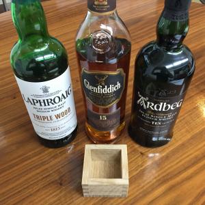 【あの銘柄は「ミズナラ枡」でどう変わる?】ウイスキーを枡で飲み比べ(2)スコッチ・シングルモルト編