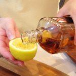 """【ウイスキーの酒器にしてうまい食品選手権】いろんなツマミを""""グラス""""にしてウイスキーを飲んだら、どうなったと思う?(後編)"""