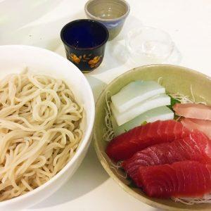 【年越しに飲みたい日本酒はコレだ!】3種類の中で「蕎麦」「刺身」に合い、かつ年越しにピッタリなのは華やかで実直な味わいの「相模灘」