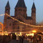 【ドイツの人は冬でも外飲み?】ドイツの冬に欠かせないホットワイン「グリューワイン」と「ライベクーヘン」のホットな組み合わせ(by現地在住ライター)