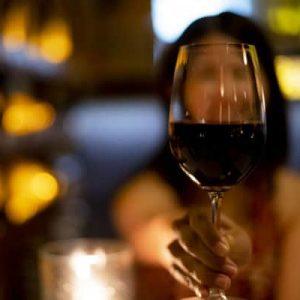 酒造メーカー痛撃…フランスワイン3億リットルが消毒液に