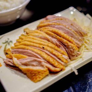 【世界ひとり飯40】台北の人気大衆ミシュラン店で、うまいガチョウを食べる!