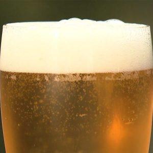 8月のビール販売 落ち込む 酒類提供 自粛と悪天候で…